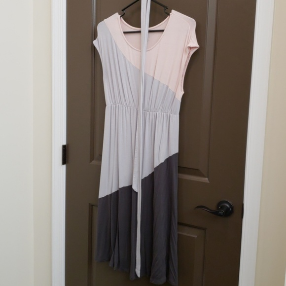 9a6787f1e2a54 Liz Lange for Target Dresses | Color Block Maternity Dress Size ...